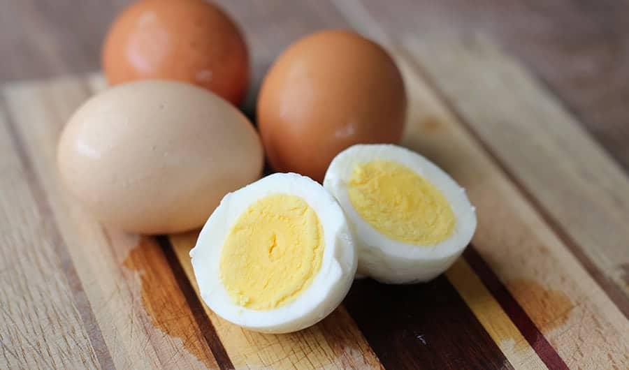 بهترین مواد غذایی برای صبحانه بهترین مواد غذایی برای صبحانه بهترین مواد غذایی برای صبحانه how to cook hard boiled eggs top photo alpha mom jane maynard web