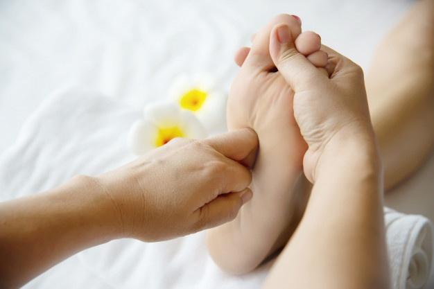انواع ماساژ درمانی انواع ماساژ درمانی انواع ماساژ درمانی woman receiving foot massage service from masseuse close up hand foot relax foot massage therapy service concept 1150 13724